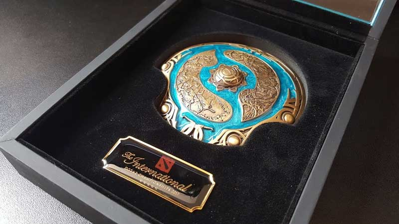 aegis-of-champions-trophy-dota-2-the-international