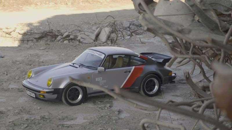 johnny silverhand's porsche 911 turbo car in cyberpunk 2077